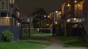 1 dead, 1 injured in shooting at SE Houston apartment