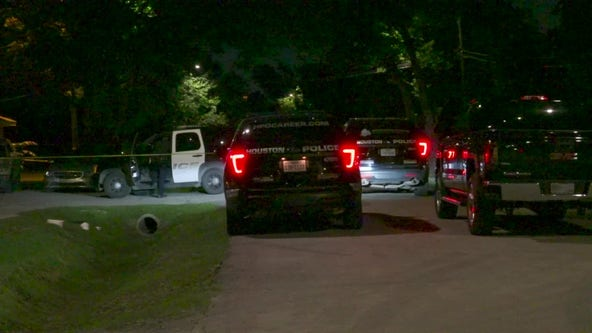 HPD: Man fatally shot ex-girlfriend at NE Houston home