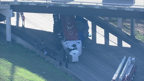 Overturned 18-wheeler blocks southbound US 59 at SH 288