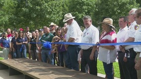 Officials celebrate ribbon cutting ceremony for extended Houston-area park