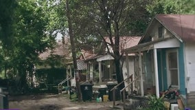 Why does a Houston neighborhood have no streets or sidewalks?