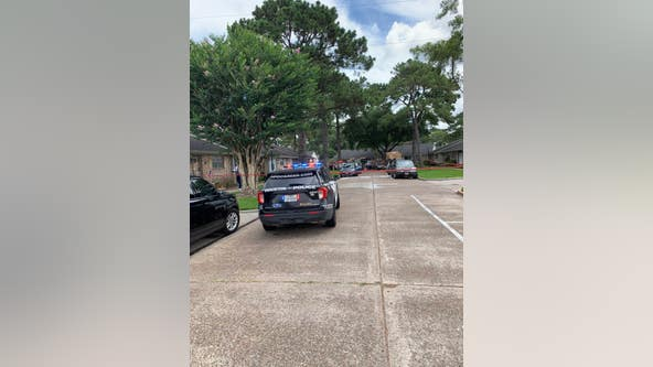 Mother, daughter fatally shot in west Houston; man charged with murder