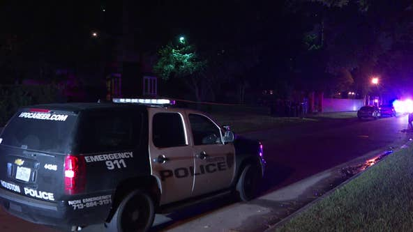 HPD: Woman shot man as he reportedly tried to force way into River Oaks home