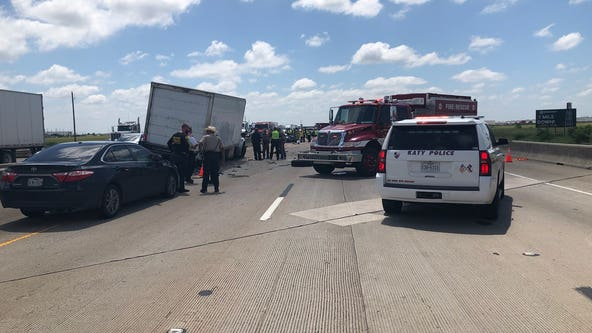 DPS Troopers investigating deadly crash in Waller Co.