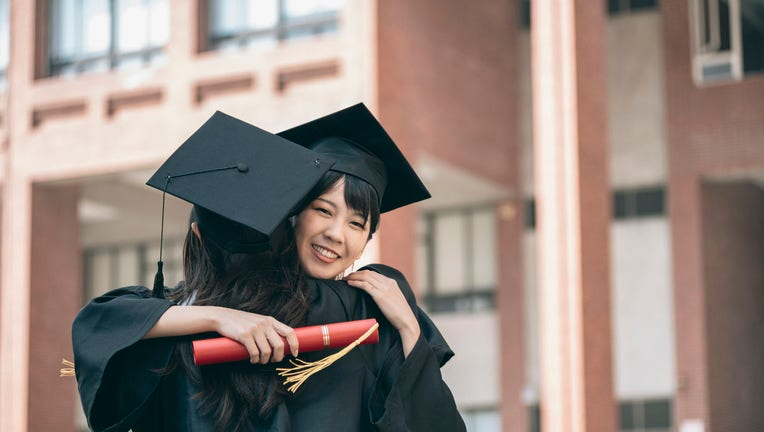 Credible-Student-loan-rates-fall-to-new-record-low-iStock-1301420208.jpg