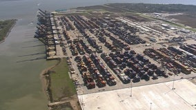Port Houston says 2 terminals remain closed after hardware failure