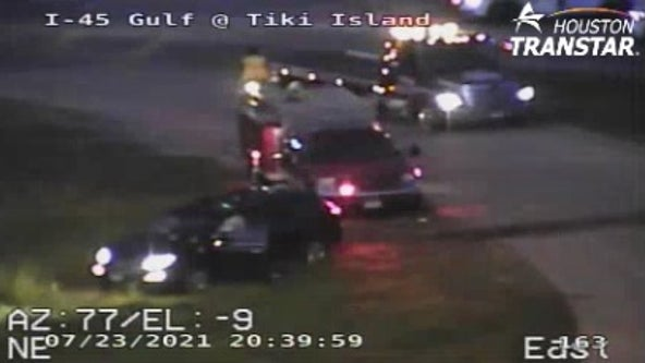 4 children injured in crash near Tiki Island, male driver arrested