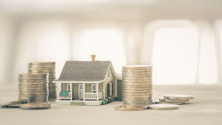 Credible-mortgage-refinance-iStock-1237752198.jpg