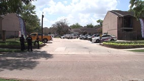 Man fatally shot in chest at NW Harris County apartment complex; search underway for 2 suspects