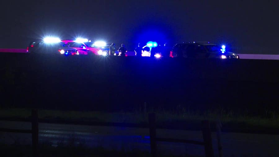 Pct. 2 toll road deputy struck by pickup truck in SE Houston, authorities say