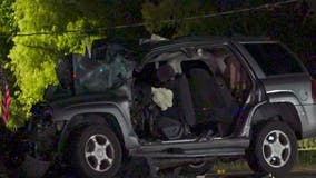 Two-vehicle crash results in 1 dead, another seriously injured in NW Houston