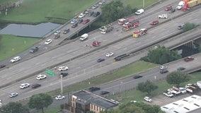 1 dead in 2-vehicle crash on SH 225 in Pasadena