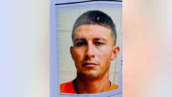 US Marshals searching for missing inmate