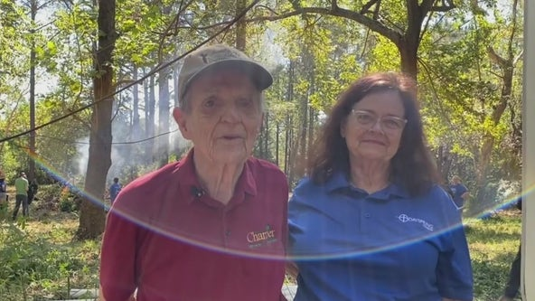 Dozens of volunteers come to the rescue for Santa Fe couple
