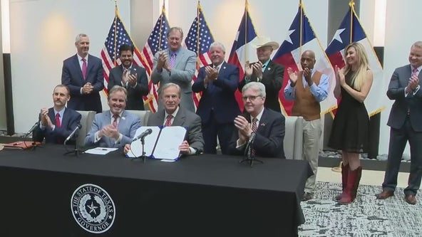Texas Gov. Greg Abbott signs controversial voting legislation SB 1 into law