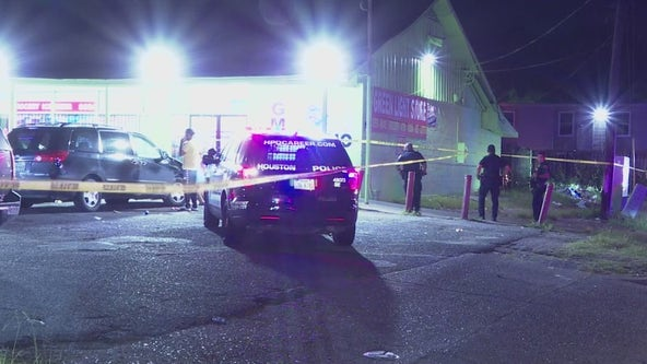 Police: Teen fatally shot during exchange of gunfire with suspect in SE Houston
