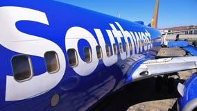 Southwest cancels hundreds of more flights Monday after weekend disruption