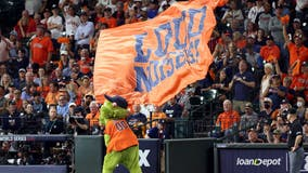 Astros strike back in Game 2 of the World Series against the Braves, 7-2