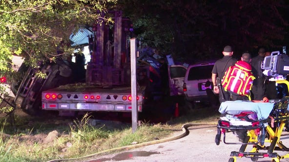 Woman dead, man injured after 18-wheeler crashes into Harris Co. home