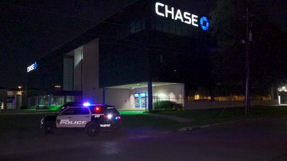Woman shot, killed outside SE Houston bank