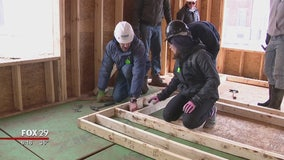 College students trade spring break for Habitat for Humanity