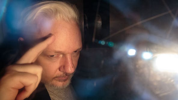 US charges Wikileaks founder Julian Assange with publishing classified info