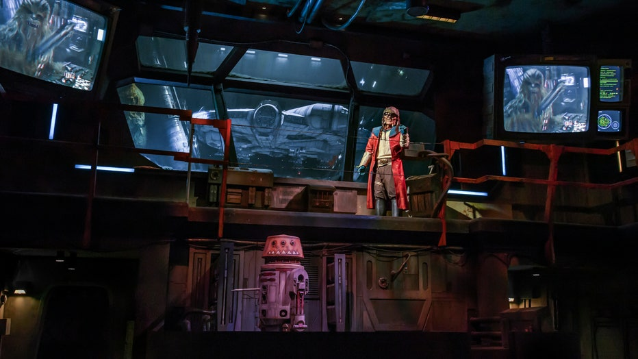 The notorious Hondo Ohnaka gives guests their mission prior to boarding Millennium Falcon: Smugglers Run at Star Wars: Galaxy's Edge.