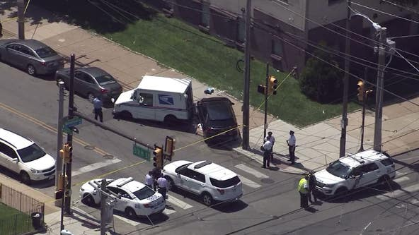 Police: USPS worker struck by suspect in stolen car in Southwest Philly
