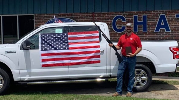 Alabama dealership offers bible, shotgun, and American flag with every car purchase
