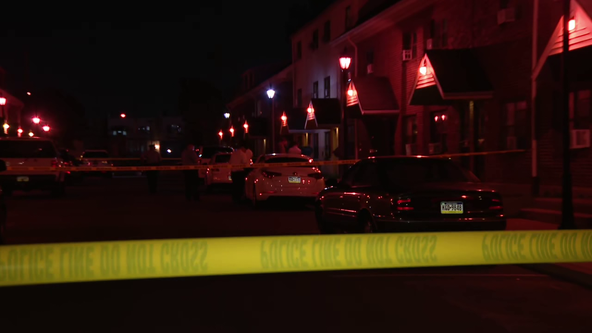 2 killed, 3 injured in South Philadelphia shootings, stabbing