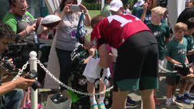 """You're my hero"": Carson Wentz shares special moment with young Eagles fan"