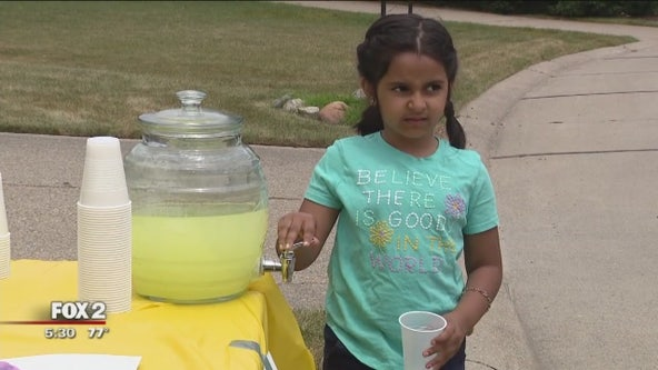 1st grader starts lemonade stand to help detained migrant families