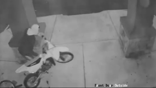 Suspects sought in Port Richmond bike shop heist