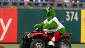 Report: Phillies in legal battle over beloved Phillie Phanatic