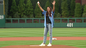 World Cup Champion Carli Lloyd contacted by NFL after nailing 55-yard field goal
