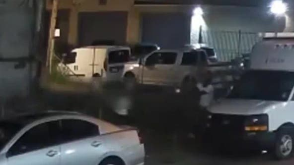 Video: Teen hurt after being followed, shot by suspect in Kensington