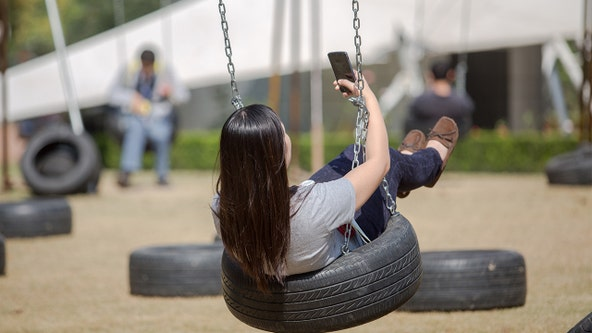 Posting selfies makes you seem 'less likeable' and 'more insecure,' researchers say
