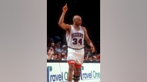 76ers to add Charles Barkley statue to legends walk