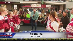 Bristol High School cheerleaders welcome Bob Kelly