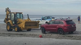 Owners of Jeep left on beach amid Dorian raising money for Bahamas disaster relief instead of new car