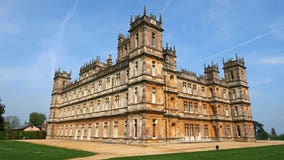 'Downton Abbey' fans will get a chance to stay in the real-life castle for 1 night through Airbnb
