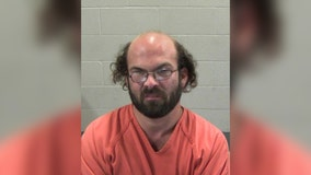 Man allegedly walks 351 miles seeking sex with 14-year-old, instead arrested by undercover police