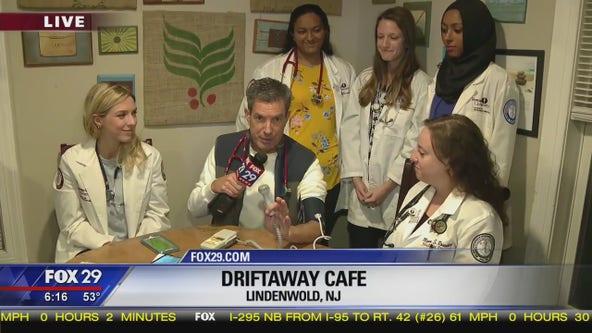 Rowan medical students give Bob Kelly a checkup