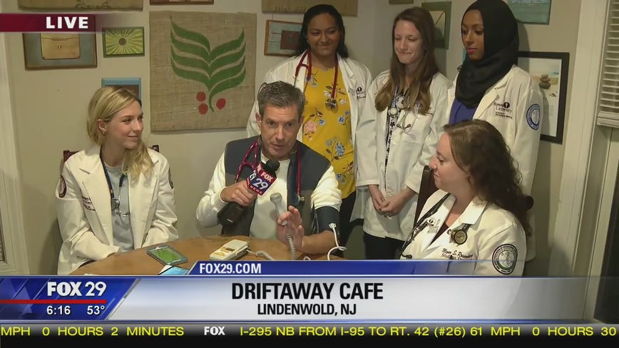 Rowan medical students give Bob Kelly a checkup