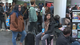 Thanksgiving Travelgeddon: Power outage at Oakland airport foils some holiday travelers' plans