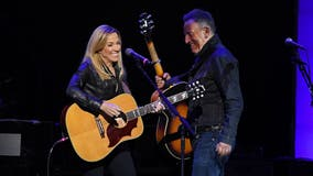 Sheryl Crow, Bruce Springsteen help raise money for veterans