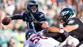 Wentz, Howard lead Eagles past Bears 22-14