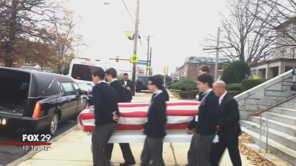 Dozens of people attend funeral for veteran with no family