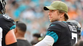 Foles benched as Jaguars switch back to rookie Minshew as starter amid 4-game skid