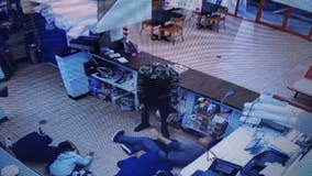 Children held at gunpoint during robbery at a Clayton County restaurant